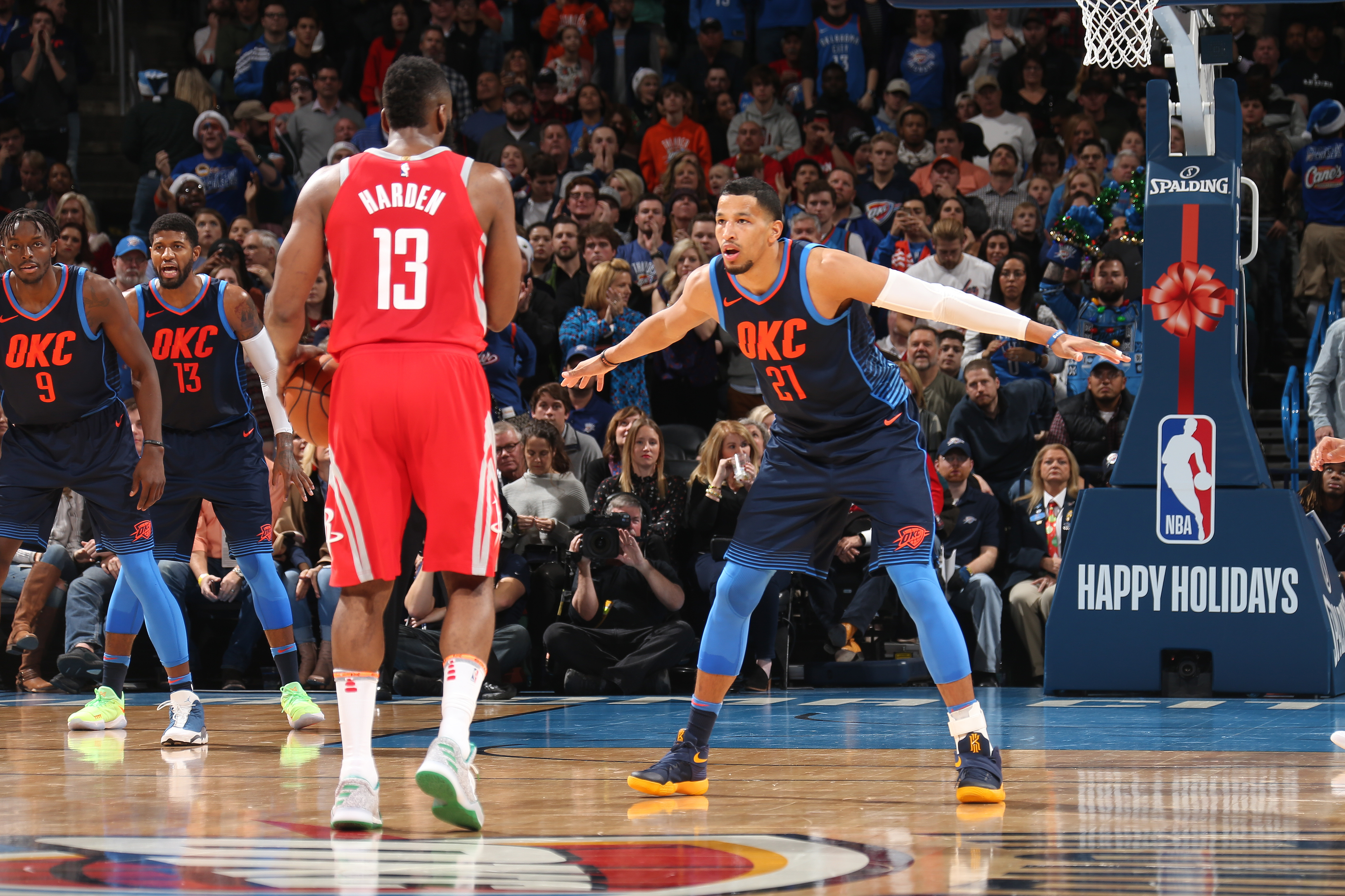 Thunder express interest in trading for Avery Bradley